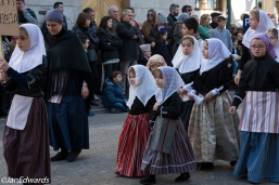 Children in traditional Mallorcan dress